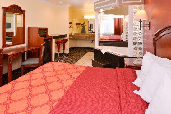 one king bed jacuzzi suite picture of americas best value inn san rh tripadvisor com