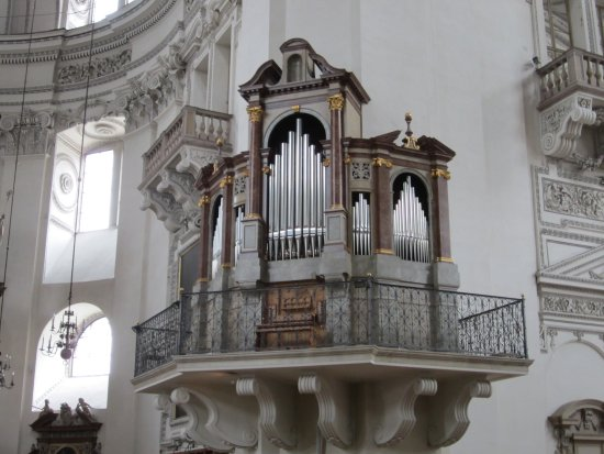 Salzburger Dom: One of several organs of Dom