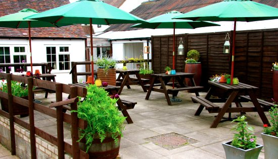 Broseley, UK: Secluded beer & dining gardens