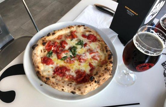 Бра, Италия: Margherita insieme ad una Rossa. Molto pericolose !!!