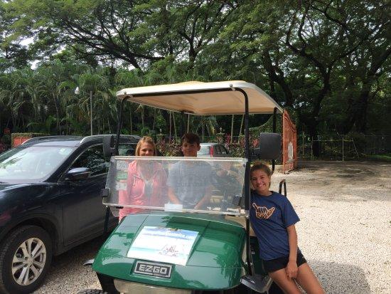 Playa Potrero, Costa Rica: golf cart