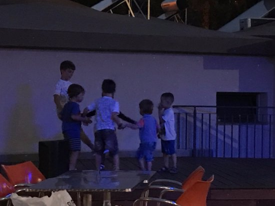 Caybeach Princess: Kids dancing at the mini disco