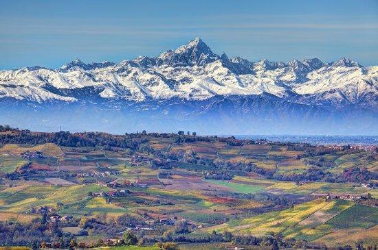 Clavesana, Italie : Monviso mountain