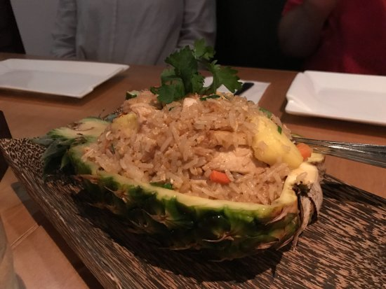 Pamika Brasserie Thai : delicious pineapple fried rice!