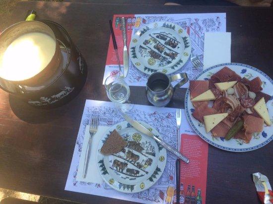 Nendaz, Ελβετία: Viande froide et fondue