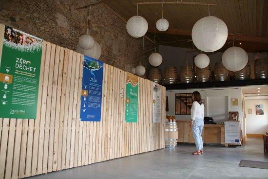 Saint-Jean-en-Royans, Francia: La boutique, où on peut voir un film très instructif