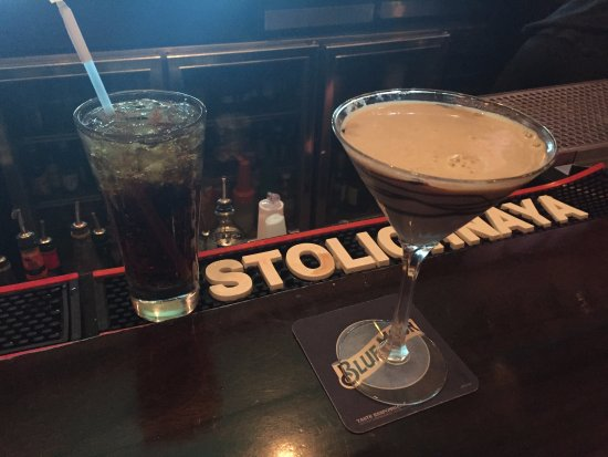 Epping, Нью-Гэмпшир: Hubby's Captain & Coke & My Chocolate Martini