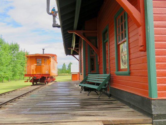 Hanna, Canada: Great railway station