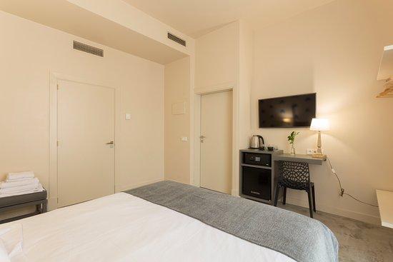 Hotelito De Soller: Spacious Room With Ensuite Bathroom