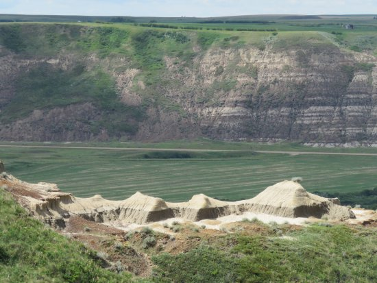 Bleriot Ferry: View from Horsethief Canyon Lookout after ferry on way to Drumheller