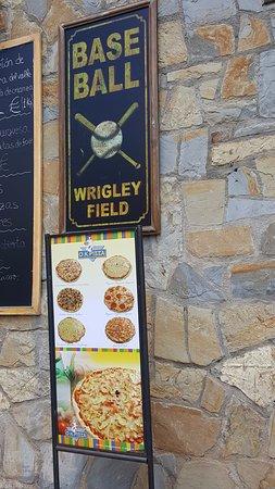 Castejon de Sos, Spanien: whaddya know, Wrigley Field