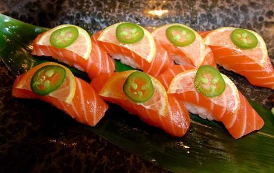 North Palm Beach, FL: Calling all Salmon Sushi Lovers....