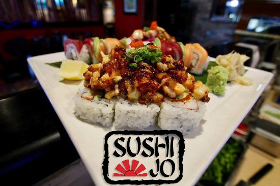 North Palm Beach, FL: The Volcano Roll & The Rainbow Roll