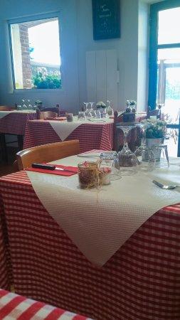Saint-Gatien-des-Bois, Francia: Salle du restaurant