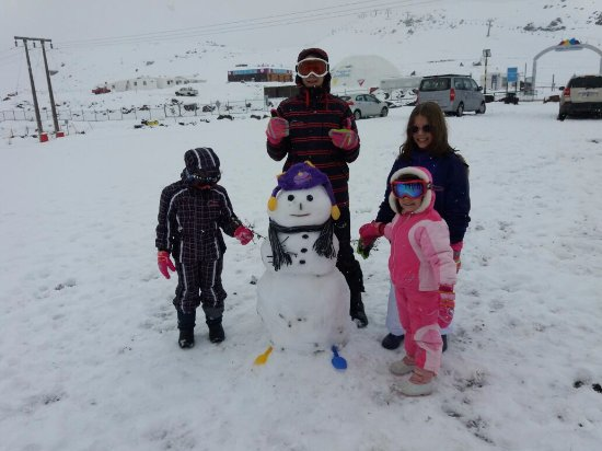 Farellones, Chile: Novo amigo das meninas