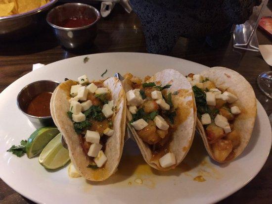Seekonk, MA : Shrimp tacos