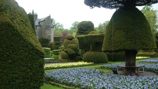 Kendal, UK: More Topiary