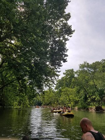 Lebanon, MO: Floating