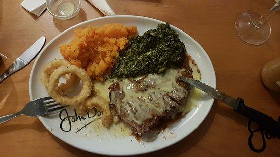 Kloof, South Africa: steak and veg