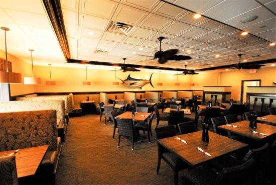 Hemingway S Prime Steaks Seafood Restaurant Dining Room