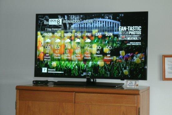 "Ironwood, MI: 40"" LED TV's in each room!"