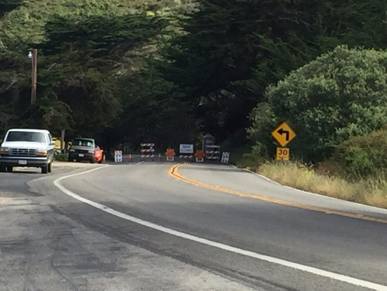 Ragged Point Inn and Resort: PCH is closed just a few yards north of the Ragged Point Inn.