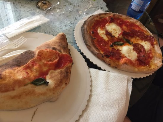 Gustapizza: Calzone and spicy salami pizza