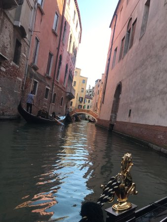 Alexandra Hai Gondola Tours: photo1.jpg