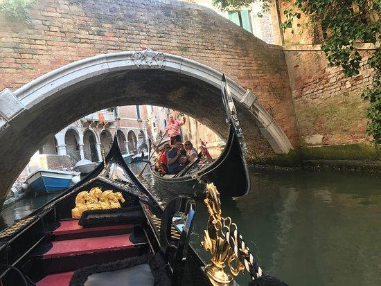 Alexandra Hai Gondola Tours: photo4.jpg