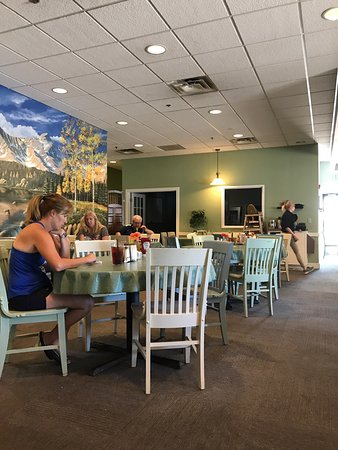 Englewood, CO: Great Beginnings Cafe,