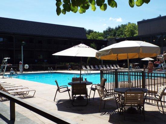 Loudonville, โอไฮโอ: lodge pool