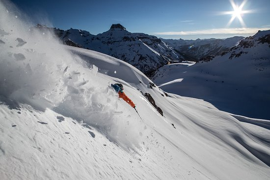 Telluride, CO: Helicopter skiing in the San Juan Mountains