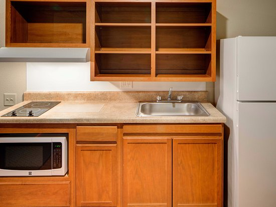 WoodSpring Suites Austin North I-35: In-Room Kitchen