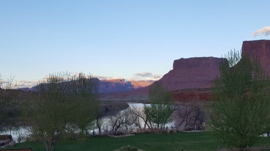 Red Cliffs Lodge : View from the property
