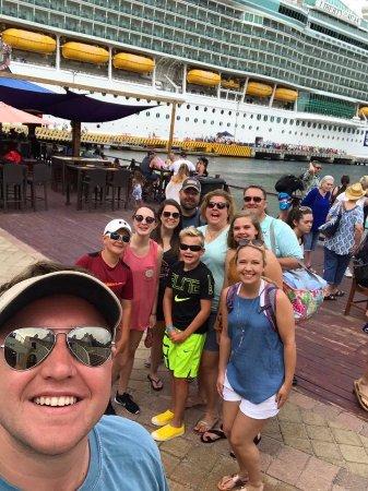 Coxen Hole, Honduras: Leaving the boat