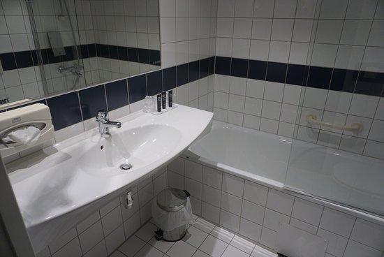 Gardermoen, Norway: Bathroom in room 2136