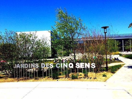 Jardin des cinq sens nantes france updated 2018 top for Jardin 44 des 5 sens