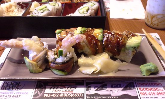 Pickering, Canada: Black Dragon Roll Platter