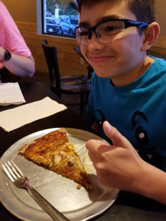 Gruene Inferno's Wood Fired Pizza: 20170616_204413_large.jpg