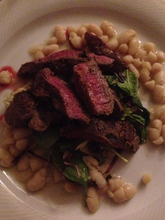 Grill Chianina beef filet with garden salad and white beans ...