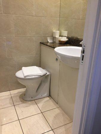 Westbury Hotel Kensington: photo2.jpg