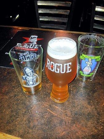 Rogue Ales Public House: Rogue Farms 6 Hop IPA 6.6%