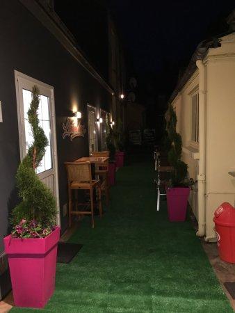 L'Aigle, France: Trop top nouvelle carte ,nouvelle salle, nouvelles chambres, une rénovation avec du goût