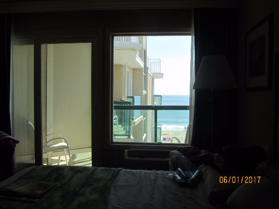 Atlantic Sands Hotel & Conference Center: Oceanfront view???????