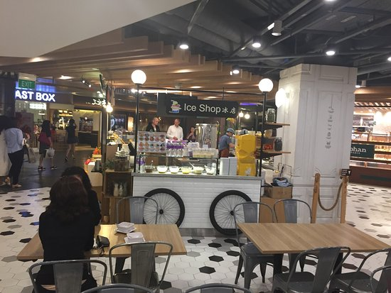Shaw Centre: SHAW Center Foodmarket - Singapore
