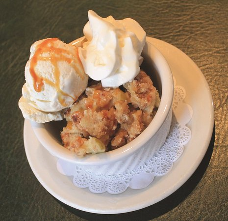 Williamsville, NY: Ellie's Tavern Made Apple Crisp served with Sweet Jenny's Vanilla Ice Cream