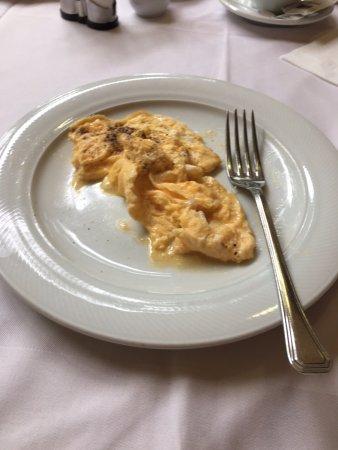 Hotel Tomislavov dom: jajecznica na smalcu
