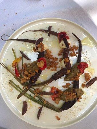 Paradou, Frankrike: Carotte pourpre, chevre, olive