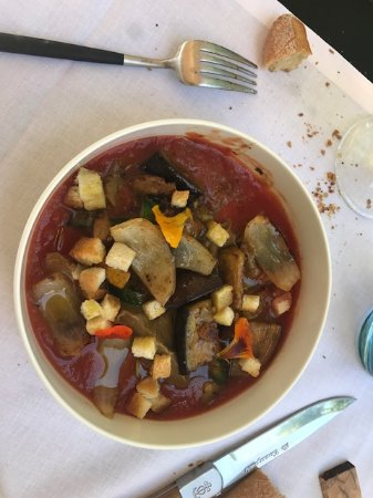 Paradou, Frankrike: Tomate, aubergine, courgette( ratatouille)