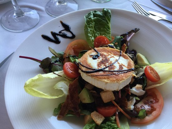 Restaurant Ca'n Josep: Goat's Cheese and Backn Salad